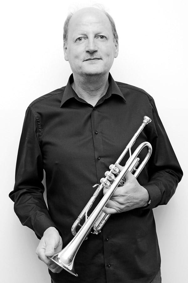 """Heinz-Gerd Bökenfeld aus Bad Bentheim Trompete ist seit 2015 dabei. Das Vorstandsmitglied schwärmt:  """"Bigbandmusik war immer mein Traum."""""""